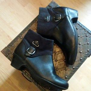 Clark's Boots (genuine leather)